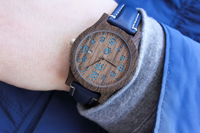 Zegarek drewniany Realforest Classic Czarny Dąb - Orzech amerykański - niebieski