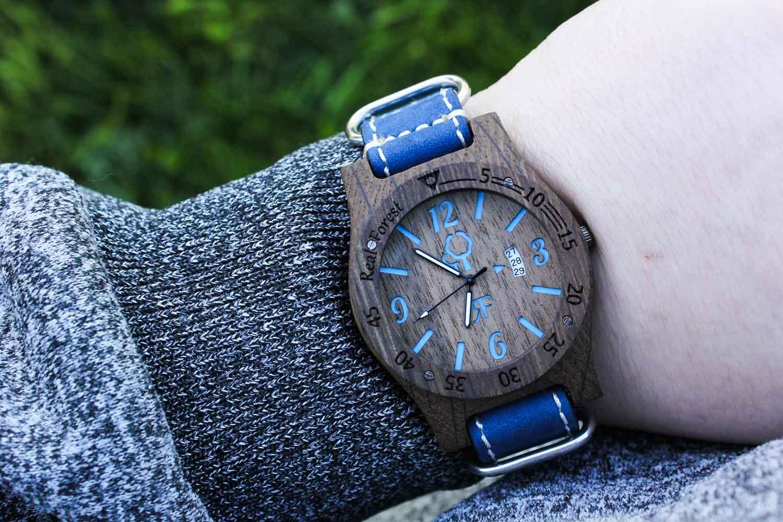 Zegarek drewniany Realforest Diver Style czarno niebieski - skóra