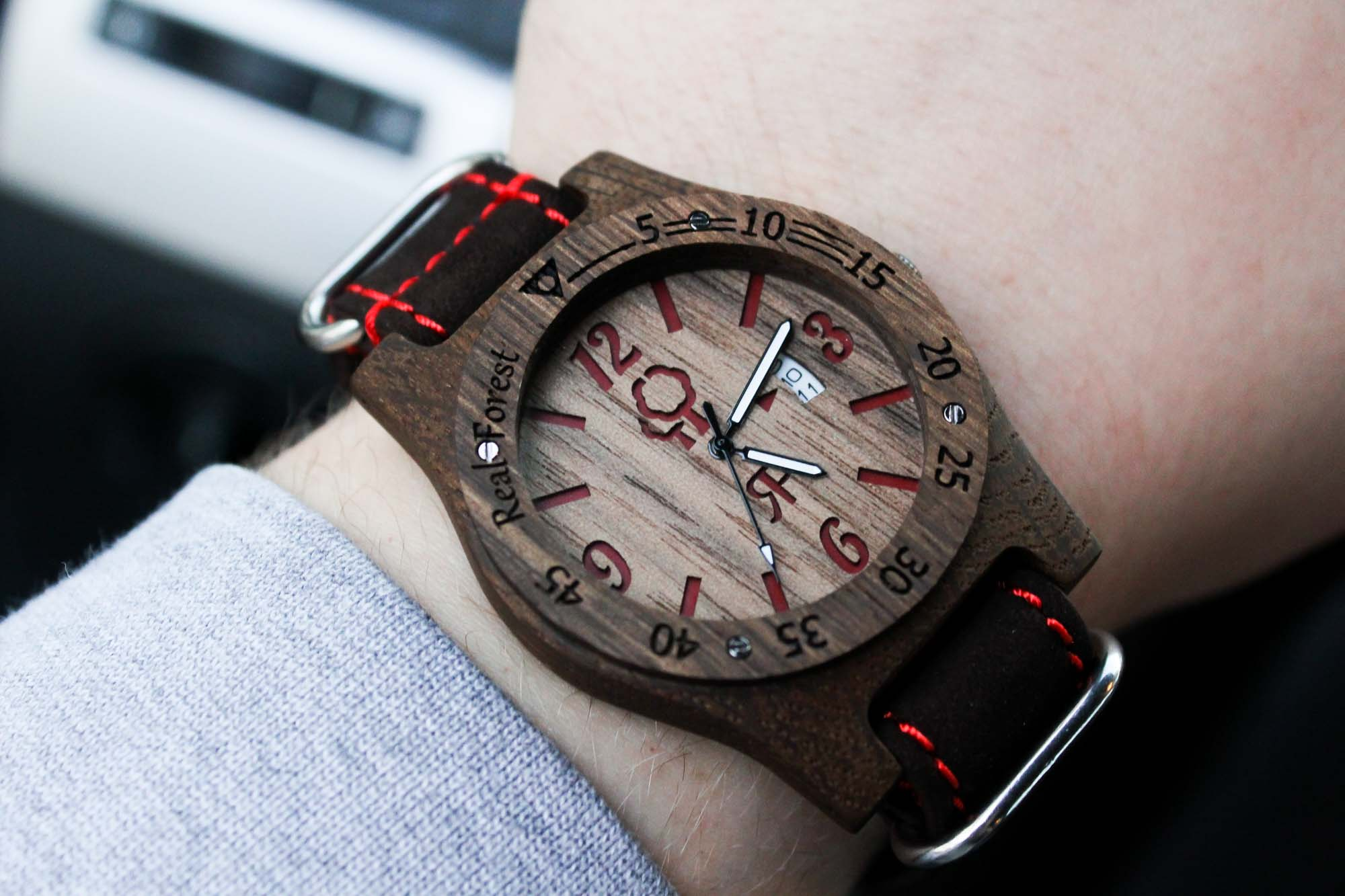 Zegarek z drewna Diver Style Czarno-czerwony - skóra
