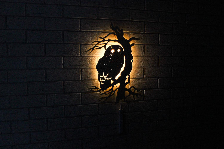 Dekoracyjna drewniana lampka nocna - Sowa