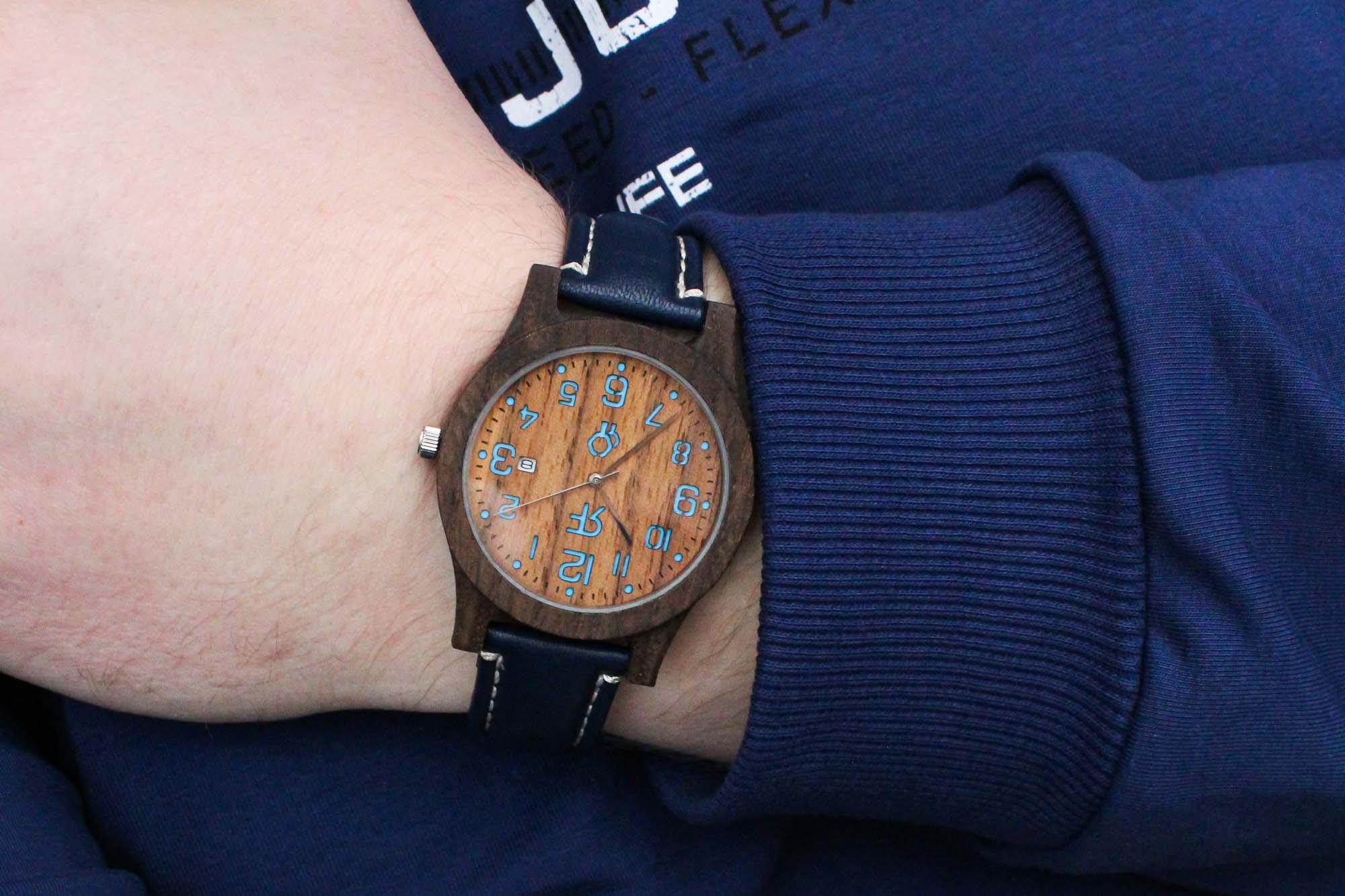 Zegarek drewniany Realforest Classic Czarny Dąb - Orzech amerykański - niebiesk