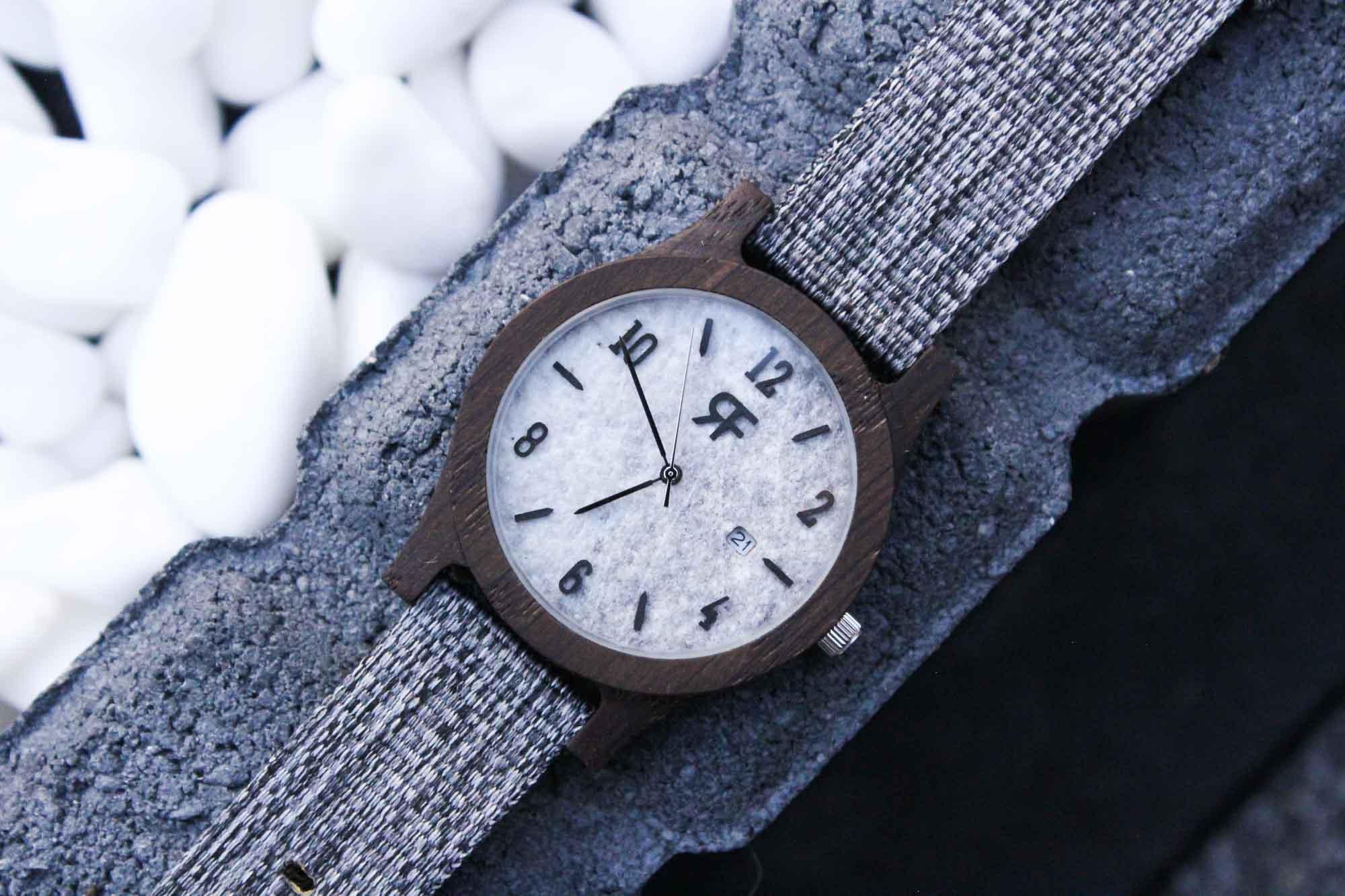 Zegarek drewniany Realforest Stone - marmur czarny dąb