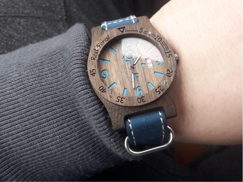 Drewniany zegarek - idealny dla aktywnych