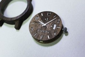 Jak dbamy o jakość drewnianych zegarków?