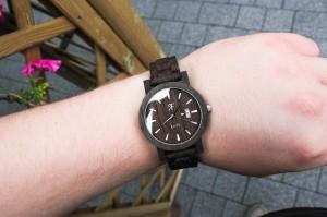 zegarek-drewniany-elite-czarny-dab-drewniana-bransoleta