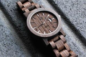 Zegarek drewniany, analogowy czy elektroniczny? Wybierz najlepszy!